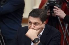 CCR: Legea lui Serban Nicolae care ii face pe dascali functionari publici e neconstitutionala