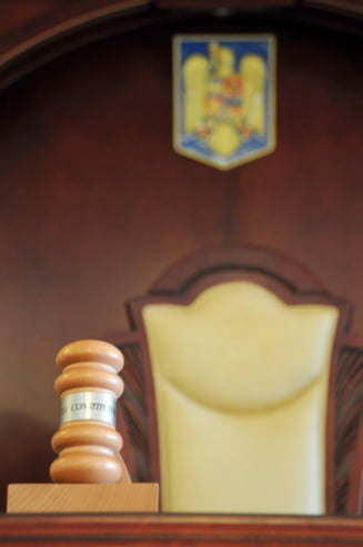 CCR: Superimunitatea judecatorilor CCR e partial neconstitutionala. In ce conditii pot fi urmariti penal sau arestati