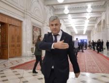 CCR a respins modificarea din regulamentul Camerei Deputatilor care punea pumnul in gura Opozitiei. Dancila spunea ca e pe model european