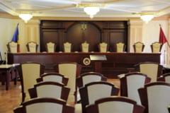 CCR amana iar decizia pe recunoasterea casatoriilor gay si cere ajutorul Curtii Europene de Justitie