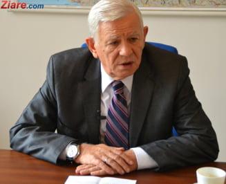 CCR amana o decizie privind alegerea lui Melescanu in fruntea Senatului