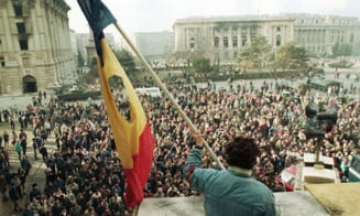CCR declara constitutionala Legea care anuleaza desfiintarea Institutului Revolutiei. Institutia e condusa de Ion Iliescu si Gelu Voican Voiculescu