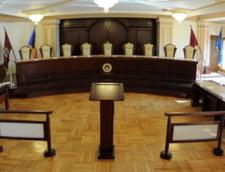 CCR discuta azi sesizarea lui Tariceanu privind conflictul dintre Guvern si DNA pe ordonanta 13