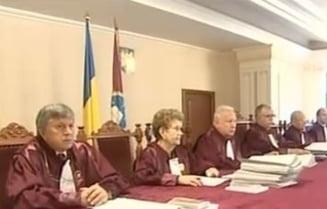 """CCR semnaleaza comportamentul """"neconstitutional si abuziv"""" al Guvernului Ponta"""
