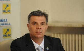 CCR transeaza referendumul - Zgonea si Filip fac recomandari judecatorilor