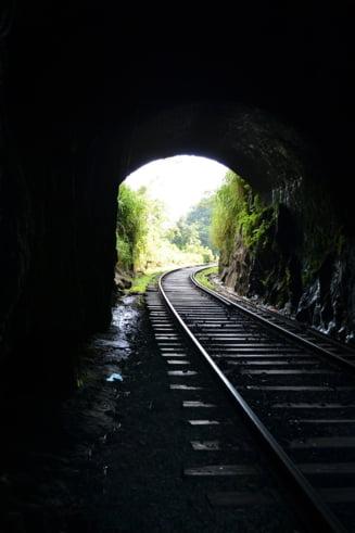CFR da 611 milioane de euro pe modernizarea a 28 de kilometri de cale ferata. De ce costa asa de mult