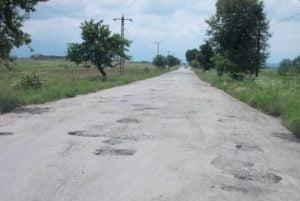 CJ Brasov vrea sa reabiliteze 18 kilometri din DJ 132, pana la limita cu judetul Harghita