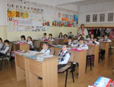 CNA vrea educatie media in scoli: Publicul tanar e vulnerabil, credul, lipsit de protectie