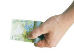 CNP: Salariul mediu brut in Romania, revizuit in scadere cu o treime