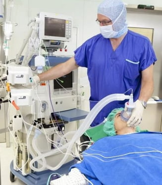 COVID-19: Imprimantele 3D si robotii adaptati la biohazard pot salva vieti, daca medicii si IT-istii isi dau mana. Virtual, desigur UPDATE