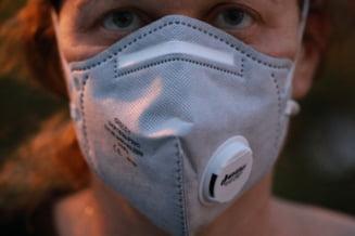 COVID-19: Personalul medical, risc de peste 3 ori mai mare de a se infecta (studiu)