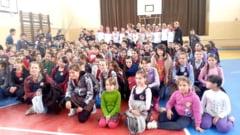 """CSM Satu Mare a facut o demonstratie de baschet la Scoala """"Balcescu-Petofi"""""""