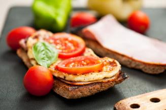 Ca sa te mentii in forma, mananca proteine la micul dejun