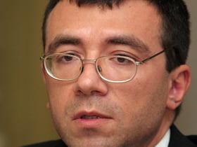 Cabinetul Croitoru, votat de ziua lui Traian Basescu