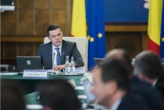 Cabinetul Grindeanu, la 100 de zile de mandat. Un guvern cu o sustinere larga in Parlament, dar contestat in strada