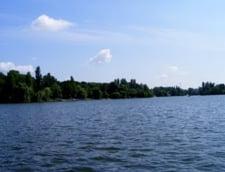 Cadavrul unei femei, gasit plutind pe lacul Herastrau din Bucuresti