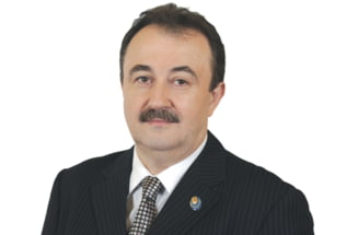 Cade primul cap: Liberal exclus din cauza ca a votat Guvernul Ponta 3