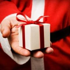 Cadourile de Craciun, scoase in graba la vanzare online