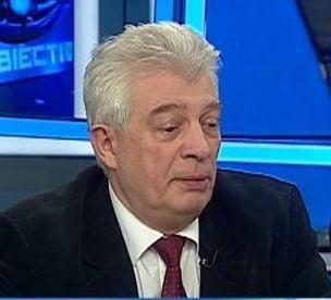 Calin Popescu Tariceanu, parasit de unul dintre senatori