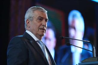 """Calin Popescu Tariceanu a fost primit cu huiduieli la Iasi: """"Tu si Dragnea sa va duceti la puscarie!"""""""