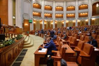 """Camera Deputatilor si Senatul, in prima zi de sesiune extraordinara. Pe ordinea de zi se va afla initiativa """"Fara penali in functii publice"""""""