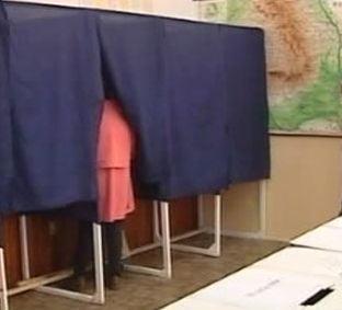 Camerele video de supraveghere a votului vor ramane si in turul doi