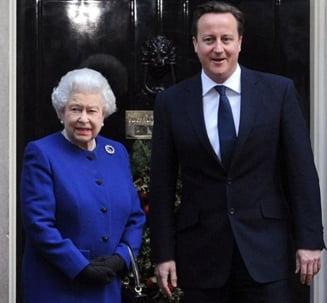 Cameron comite o noua gafa: A barfit-o pe regina Marii Britanii si s-a aflat