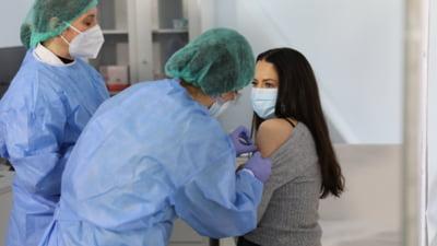 Campania de vaccinare în ritm agale. Puțin peste 3.000 de români imunizați cu prima doză în ultimele 24 de ore