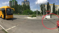Campanie electorala tensionata pentru AUR in Republica Moldova. Cum a fost intampinat autocarul cu simpatizanti la intrarea in Transnistria VIDEO