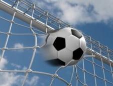 Campionatul feminin de fotbal continua cu scoruri de curtea scolii