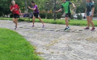 "Campioni mondiali la tenis de masa, lasati fara sala si trimisi sa se antreneze in parc. ""Ai nimanui..."""