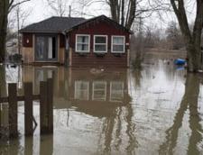 Canada: Mii de oameni evacuati de urgenta din calea apelor care au depasit 1,5 metri pe strazi (Video)
