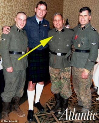 Candidat pentru Congresul SUA, in uniforma nazista
