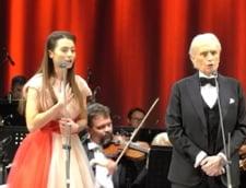 Cantareata de origine romana Laura Bretan, duet cu Jose Carreras, la Oradea. Mii de oameni au participat la eveniment VIDEO
