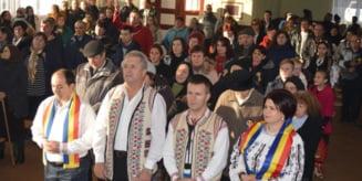 Cantec, joc si simtire romaneasca la Caminul Cultural din Chiheru de Jos