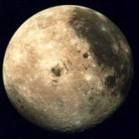 Cantitati importante de apa au fost descoperite pe Luna