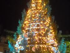 Capitala, pregatita de Sarbatori - Milioane de beculete lumineaza Bucurestiul (Galerie foto)