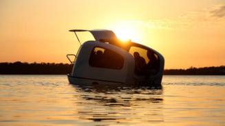 Caravana plutitoare: Cel mai modern cort