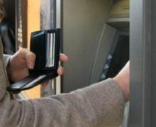Cardul de credit, cu 25% mai scump decat un imprumut bancar