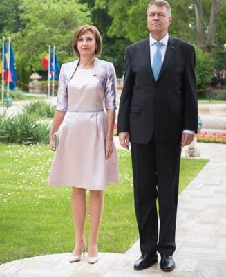 Carmen Iohannis a fost la urne doar cu angajatul SPP: Prezenta la vot e o datorie de onoare (Video)