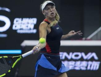 Caroline Wozniacki se califica in finala la Beijing si se apropie de Simona Halep in clasamentul WTA