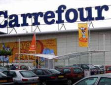Carrefour va despagubi cu 20.000 de euro o femeie care a alunecat in magazin