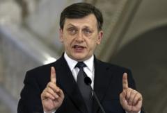 Cartea de vizita a presedintelui interimar Crin Antonescu (Opinii)