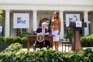 """Casa Alba apara """"dreptul"""" lui Trump de a demite inspectori generali care nu ii sunt loiali"""