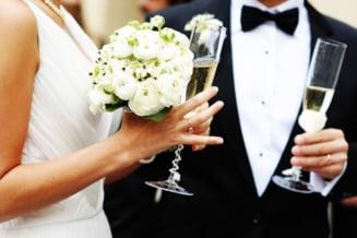 Casatoria din Constituie nu mai e doar intre un barbat si o femeie - amendamentul a fost respins