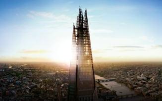 Cascadorie incredibila: S-a suit fara franghii sau ventuze pe una dintre cele mai inalte cladiri din Europa (Video)