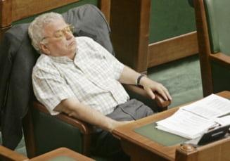 Cat cheltuie, lunar, un parlamentar, din banii poporului?