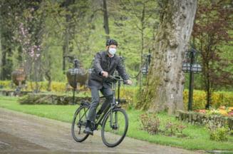 Cat costa bicicleta pe care a folosit-o Klaus Iohannis ca sa mearga la Cotroceni FOTO