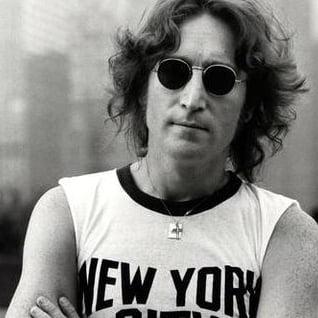 Cat costa un dinte de-al lui John Lennon?
