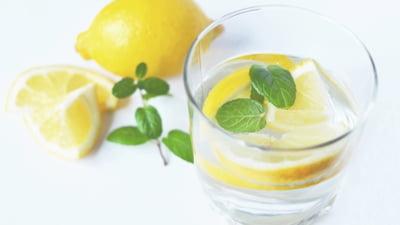 Cat de important este pH-ul apei pe care o bem zilnic?